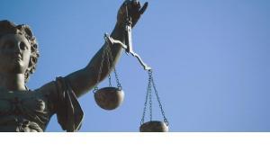 Statue der Justitia, Foto: dpa