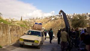 Weißer Van in Amman;© brave new work