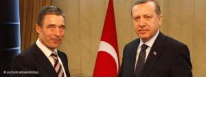Nato-Generalsekretär Rasmussen und türkischer Ministerpräsident Erdogan; Foto: dapd