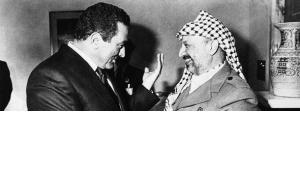 Hosni Mubarak und Jassir Arafat, Foto: AP