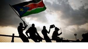 Südsudanesen in Juba feiern die Unabhängigkeit ihres Landes; Foto: AP