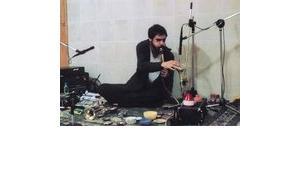 Mazen Kerbaj in seinem Studio in Beirut; Foto: www.kerbaj.com