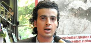 Der ägyptische Blogger Maikel Nabil Sanad auf einer Veranstaltung von reporter ohne Grenzen; Foto: Bettina Marx/DW