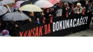 Demonstration für Pressefreiheit in Istanbul; Foto: AP/dapd