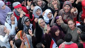 Frauenprotest gegen Ägyptens Präsident Mohammed Mursi, Foto: dpa