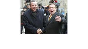 Schröder und Erdogan in Ankara, Foto: AP