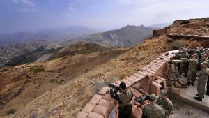 Türkische Soldaten im Kurdengebiet Hakkari, nahe der irakischen Grenze; Foto: ddp images/AP Photo/Murat Cetinmuhurdar, Presidential Press Service