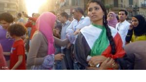 Demokratieaktivistin und Demonstrantin am Tahrir-Platz; Foto