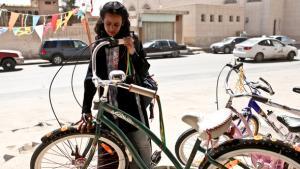 Das saudische Mädchen Wadjda in Haifa al-Mansurs Film Wadjda; Foto: Razor Film