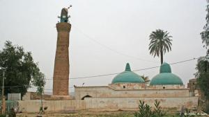 """Jüdischen Quellen nach wurde der Prophet Daniel in jungen Jahren nach Babylon gebracht, wo er als Diener am Königspalast ausgebildet wurde. In dieser Moschee in der alten Burg im nordirakischen Kirkuk soll Daniel begraben sein. Die Pilgerstätte war zuerst eine jüdisch Synagoge, die später mit einer Kirche überbaut wurde. Seit der Einführung des Islam im Irak heißt sie die """"Moschee des Propheten Daniel"""". Foto: Munaf al-Saidy"""