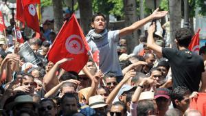 Anti-Regierungsdemonstration nach dem Mord an Mohamed Brahmi; Foto: Fethi Belaid/AFP/Getty Images