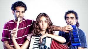 Youssra El Hawary mit ihren Bandmitgliedern Sedky Sakhr und Shady el Hosseiny; Foto: Bashir Wagih