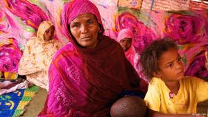 Schweda wurde wie ihre Geschwister in Mauretaniens nordöstlicher Sahara in Sklaverei hineingeboren. Nachdem ihr Bruder Matallah es geschafft hatte, sich zu befreien, rettete er im März 2013 auch seine Schwester mit ihren Kindern in die Freiheit.