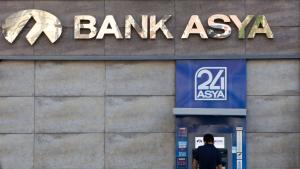 Filiale der Bank Asya in Istanbul; Foto: picture alliance/Tone Koene