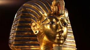 Die Totenmaske des Pharao, Teil der großen Tutanchamun-Ausstellung; Foto: dpa/picture-alliance