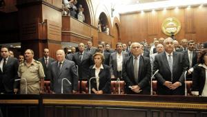 Das mit der Revision der unter Präsident Mursi verabschiedeten Verfassung beauftragte Komitee in Kairo; Foto: picture alliance/landov