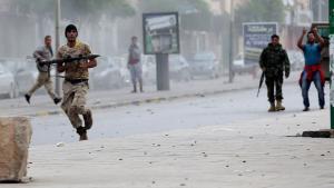 Zusammenstöße zwischen der islamistischen Gruppe Ansar al-Sharia und Einheiten der Armee in Bengazi; Foto: Reuters