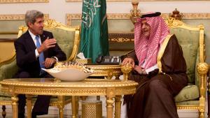 US-Außenminister John Kerry und der saudische Außenminister Saud Al-Faisal bin Abdulaziz al-Saud im November 2013; Foto: REUTERS/Jason Reed