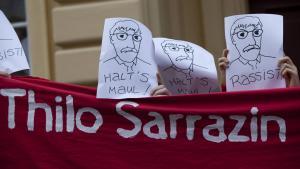 Protest gegen Thilo Sarrazins Lesung im Nikolaisaal, Potsdam, am 09.09.2010; Foto: imago/Christian Thiel