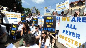 Protest gegen die Inhaftierung des Al-Dschasira-Journalisten Peter Greste; Foto: Simon Maina/AFP/Getty Images