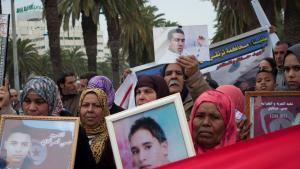 Demonstration von Angehörigen der Revolutionsopfer in Tunis; Foto: Sarah Mersch