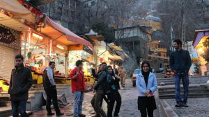 Jugendliche in Darband, Nord-Teheran; Foto: Massoud Schirazi