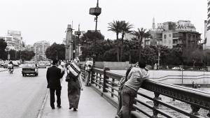 Händchenhalten ist in der ägyptischen Öffentlichkeit erlaubt, Küssen jedoch verboten; Foto: © Samuli Schielke