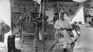 Max von Oppenheim in seinem Reisezelt in Syrien im Jahr 1929; Foto: Max Freiherr von Oppenheim Stiftung