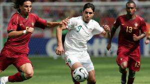 Wahid Hashemian (Mitte) beim Spiel gegen Portugal in der Vorrunde des Spiels Portugal gegen den Iran bei der Fußball-WM 2006 in Deutschland; Foto: ULMER/Florian Eisele