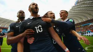 Karim Benzema nach seinem Tor im Vorrundenspiel Frankreich gegen Honduras bei der FIFA-WM 2014 in Brasilien; Foto: Getty Images