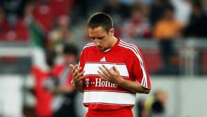 Ribery beim beten_photo_by_lars_baron_bongarts_getty_images