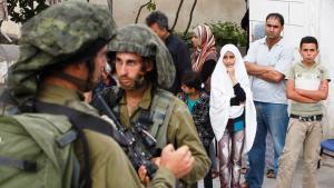 Razzien der israelischen Armee am 21. Juni 2014 in Hebron; Foto: Reuters/Mussa Qawasma