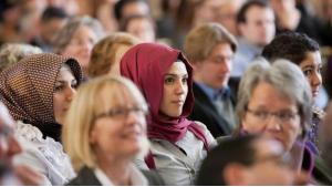 Muslimische Studentinnen bei einer Feierstunde an der Universität Münster; Foto: dpa