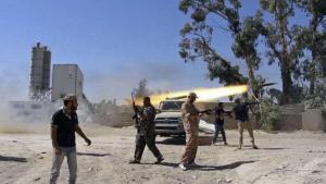Islamistische Miliz feuert auf den Flughafen in Tripolis; Foto: AP/dpa