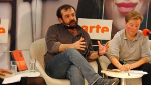 Der Schriftsteller Murat Uyurkulak im arte-Studio; Foto: picture alliance/Friedel Gierth