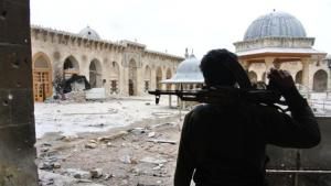 Zerstörungen an der Großen Moschee in Aleppo; Foto: picture alliance/abaca