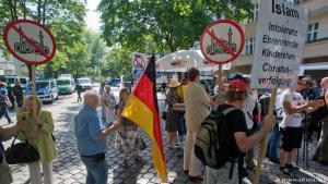 Anti-Islam-Demonstration von Pro Köln-Anhängern in Köln-Mülheim; Foto: dpa