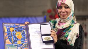Tawakkul Karman bei der Entgegennahme des Friedensnobelpreises; Foto: dpa