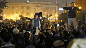 Proteste gegen die Einstellung des Gerichtsverfahrens gegen Mubarak auf dem Tahrir-Platz in Kairo; Foto: picture-alliance/dpa/L. Farouk