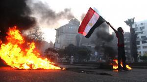 Anhänger Mohammed Mursis protestieren gegen die Entmachtung ihres Präsidenten in Kairo; Foto: AP/Khalil Hamra
