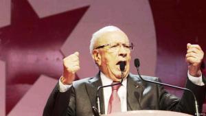 Der neue Präsident Tunesiens Beji Caid Essebsi vor seinen Anhängern in Tunis.