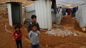 Syrische Flüchtlingskinder in Areal; Foto: Jamie Itani