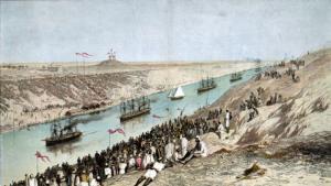 Eröffnung des Suez-Kanals: Fürstenschiffe auf der ersten Fahrt durch die neue Wasserstraße; Foto: picture-alliance / akg-images