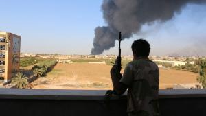 Die Zintan-Brigade bei militärischen Operationen in einem Vorort von Tripolis am 03.08.2014; Foto: Reuters