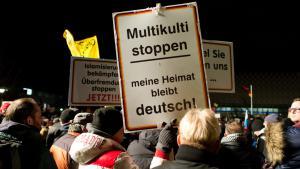 """Pegida""-Demonstration in Dresden am 12.01.2015; Foto: picture-alliance/dpa/A. Burgi"