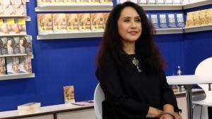 """Raja Alem, Gewinnerin des """"Arab Booker Prize"""" im Jahr 2011 für ihren Roman """"Halsband der Tauben""""; Foto : DW/J. Kürten"""