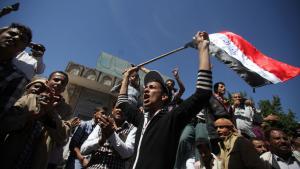 Proteste  gegen Huthi-Miliz in Taiz; Foto: Reuters/Mohamed al-Sayaghi