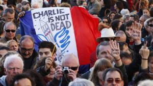 """Trauermarsch für die Opfer des Attentats auf die Redaktion von """"Charlie Hebdo""""; Foto: picture-alliance/dpa"""