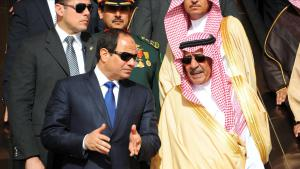 Ägyptens Präsident Abdel Fattah al-Sisi auf Staatsbesuch beim saudischen König Salman Bin Abdulaziz in Riad am 1. März 2015; Foto: picture-alliance/Office Of The Egyptian President