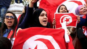 Tunesier gehen am 20. März 2015 gegen den Terror auf die Strasse; Foto: Reuters/Mili